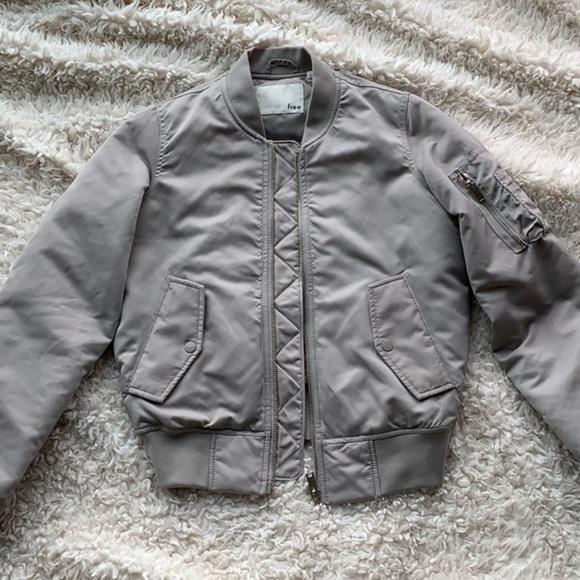 Aritzia Jackets & Blazers - Aritzia bomber jacket
